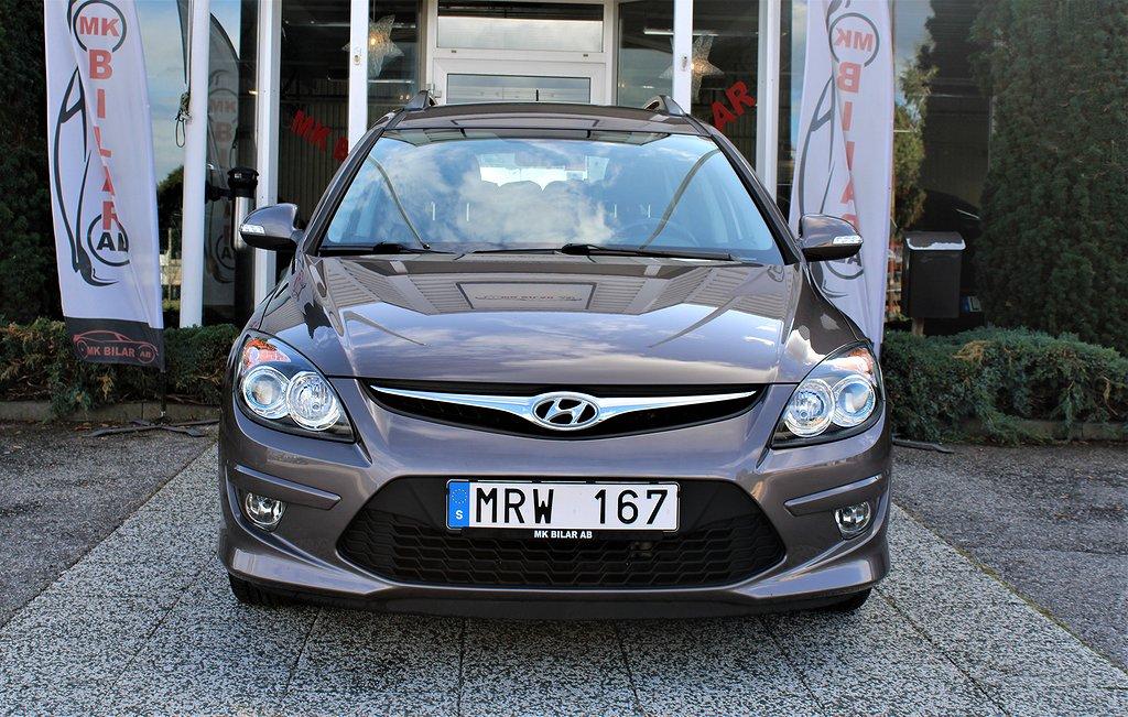 Hyundai i30 cw 1.6 CRDi 116hk.Låg Mil 5900/En Brukare
