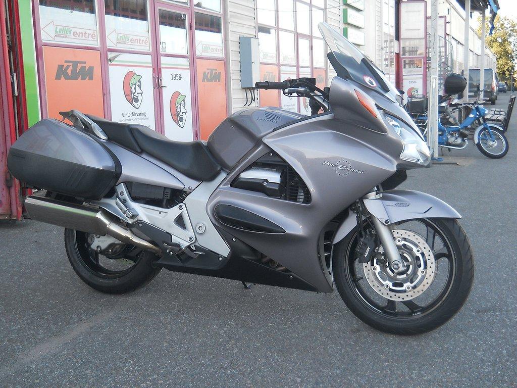 Honda ST1300 -2002