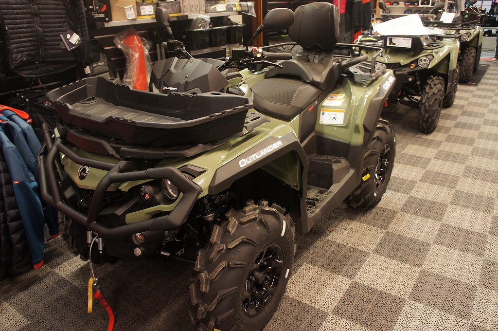 Can-Am Outlander 570 Max Pro +