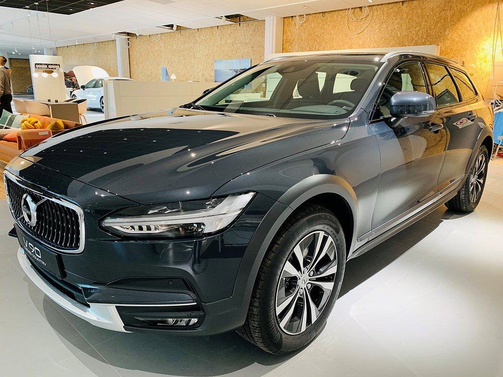Volvo V90 Cross Country D4 AWD Advanced SE II / Omgående leverans