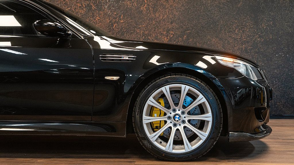 Bromsoken på BMW M5 från 2007.