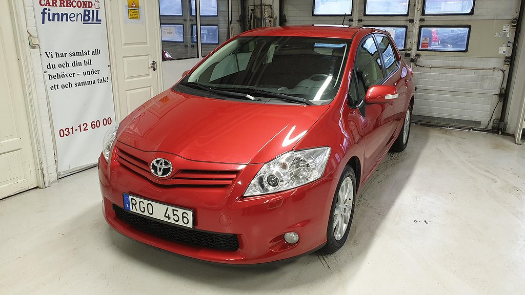 Toyota Auris 1.6 5-dörrar Besiktad