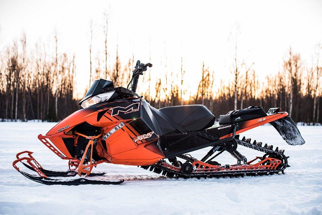 """Arctic Cat M8000 153"""" HEMLEVERANS"""