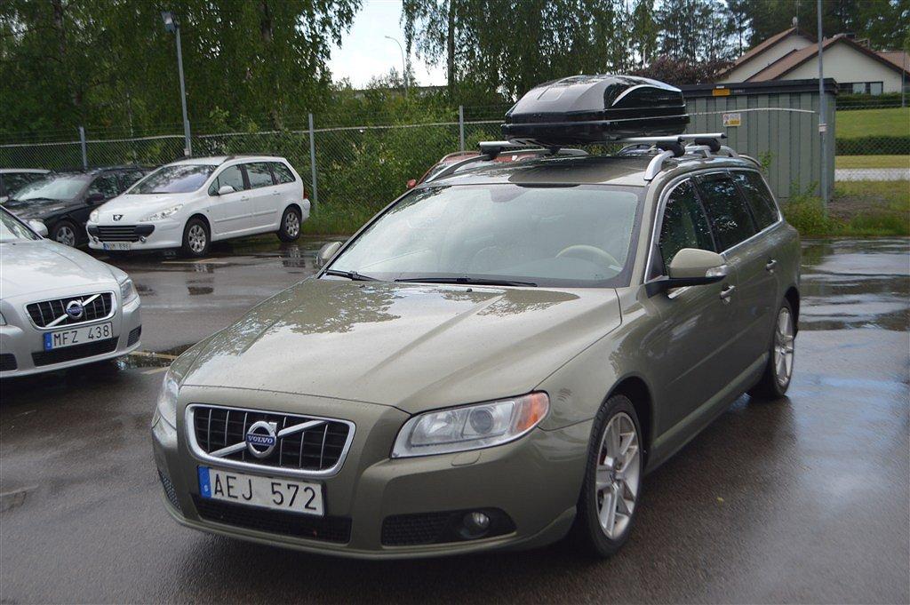 Volvo V70 D2-Summum-109hk