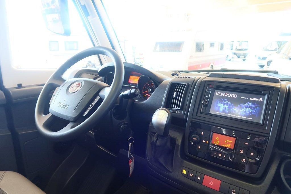 Husbil-integrerad Adria Sonic 710 SLT Supreme 15 av 37