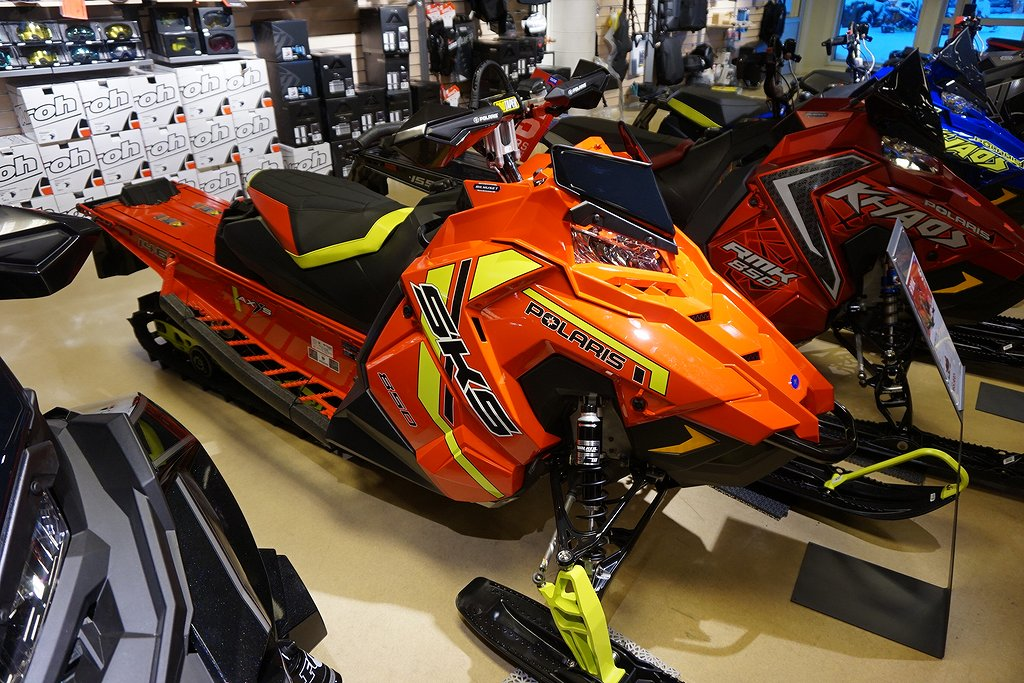 Polaris 850 SKS 146 All Red -21