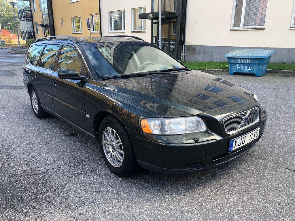 Volvo V70 2.4 Business 140hk