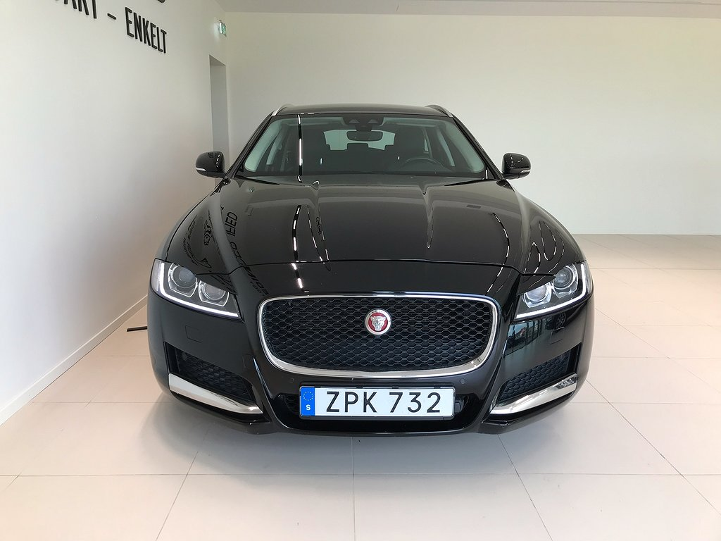 Jaguar XF 2.0D 180HK SPORTBRAKE SIGNATURE AUT NAV BACKKAMERA. DIESELVÄRMAR
