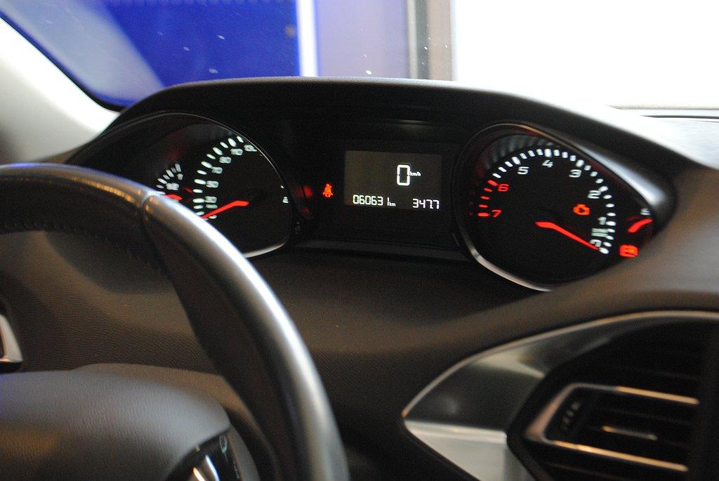 Peugeot 308 Active Sky 1.6T 125hk *Panorama*