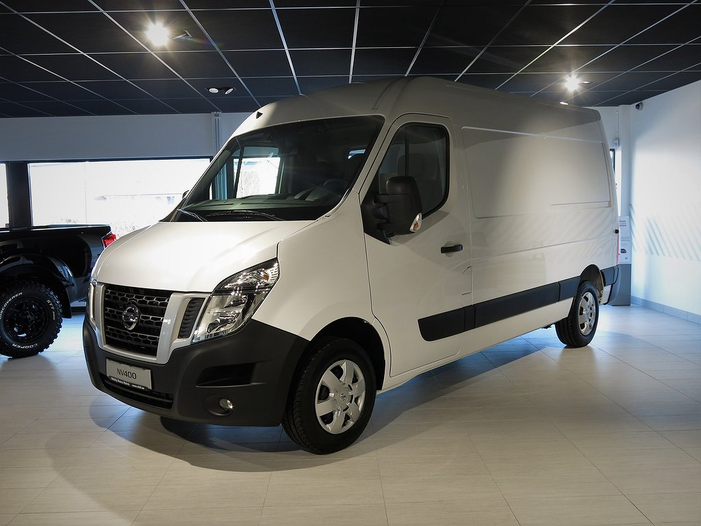 Nissan NV400 2,3 dCi 145 L2H2 Working Star *Kampanj*