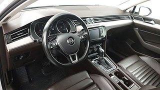 VW Passat 2.0 TDI BiTurbo Sportscombi 4MOTION (240hk) Executive