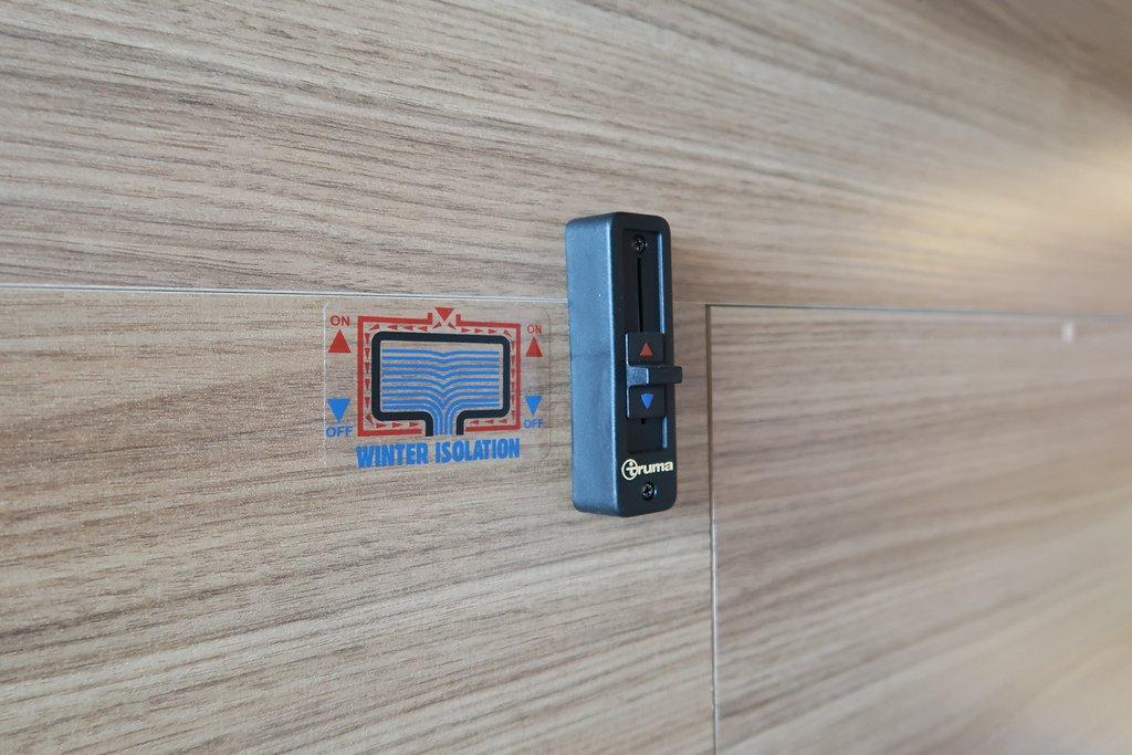 Husbil-integrerad Adria Sonic 700 SL Axess 10 av 31