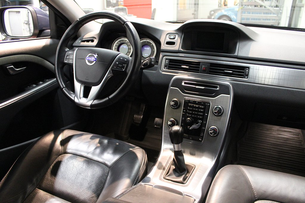 Volvo XC70, D4 AWD Momentum DE