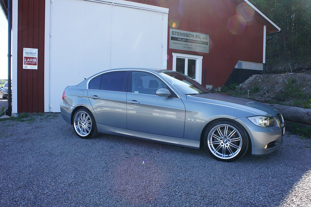 BMW 325 i Sedan Automat Advantage, Comfort, Dynamic 218hk