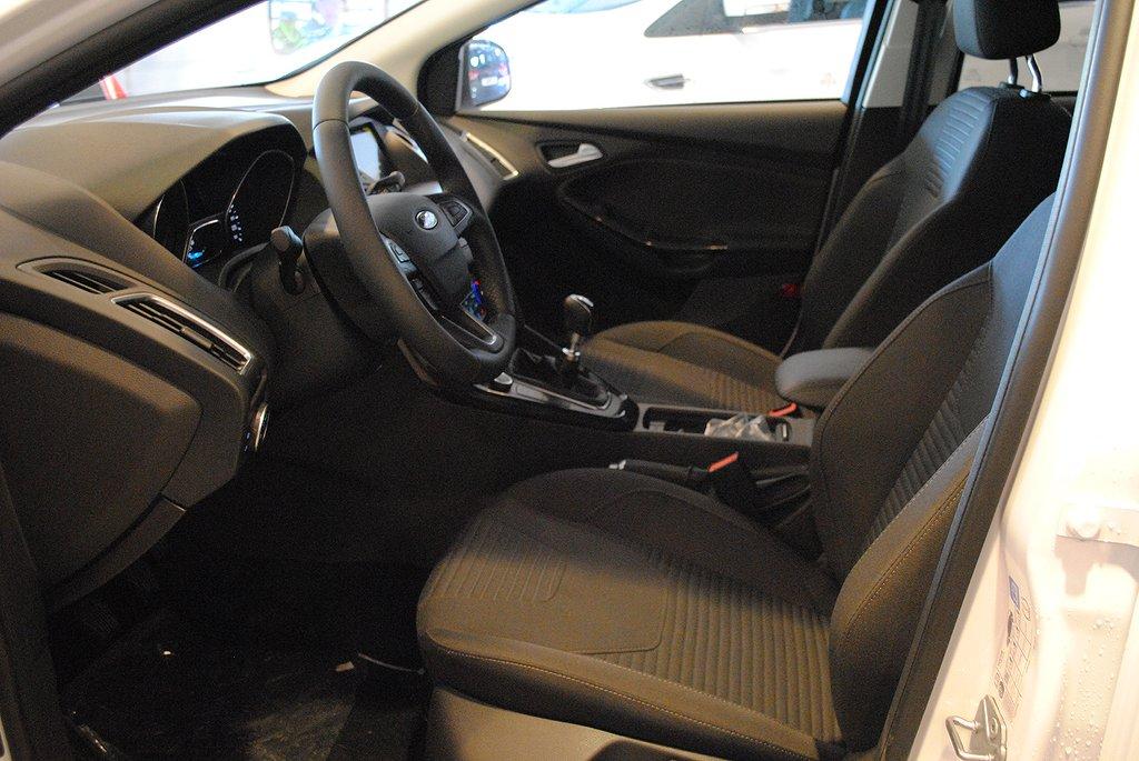 Ford Focus *2.95%ränta*1.0T EcoBoost 125hk Titanium kombi*Demo*