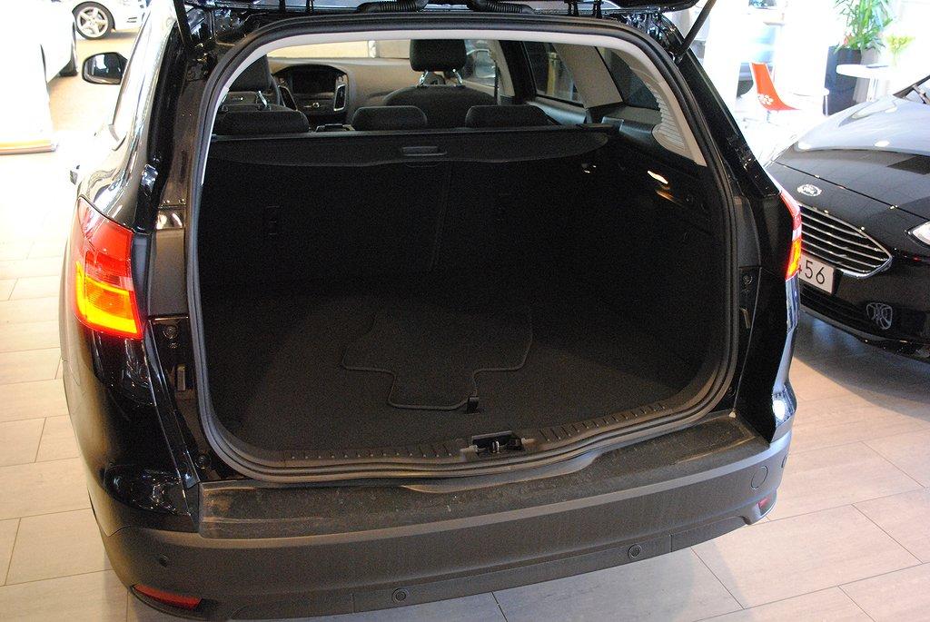 Ford Focus 1.0T 125hk EcoBoost Titanium Kombi*Förarassistanspkt*