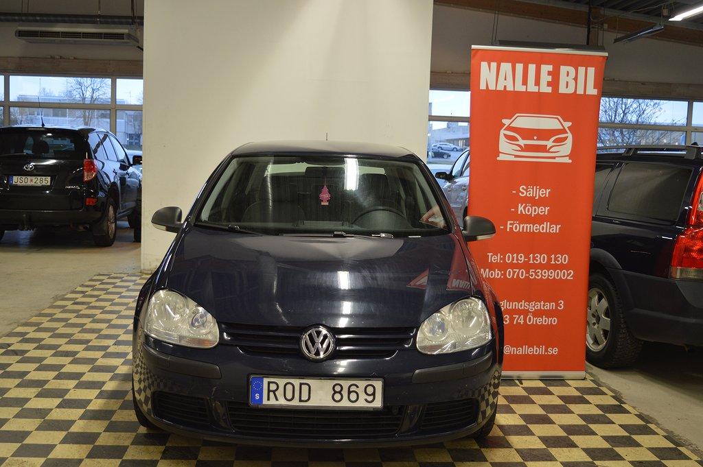 Volkswagen Golf 5-dörrar 1.6 , Nykam,15700 mil