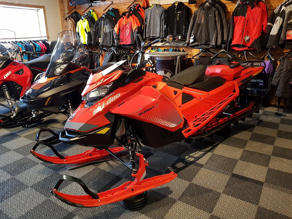 Ski-doo Summit X 154 850 E-TEC SHOT Lava Red