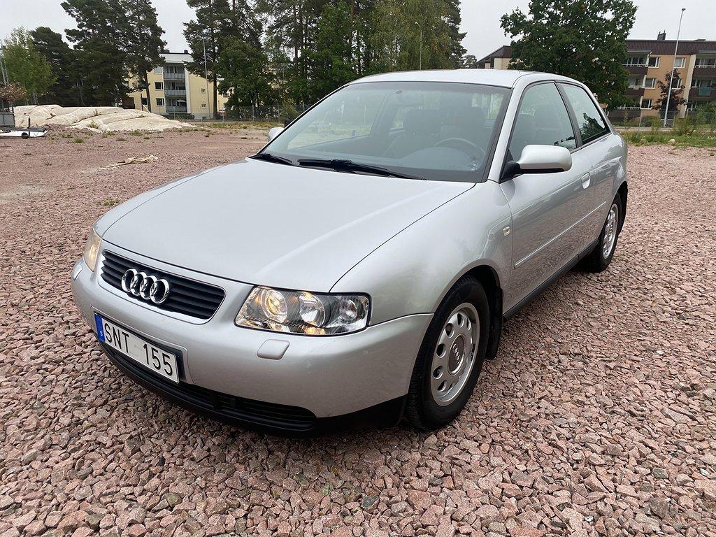 Audi A3 3-dörrar 1.6 Attraction 102hk