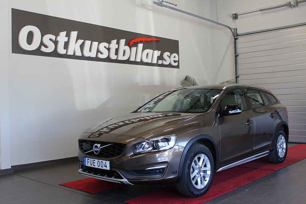 Volvo V60 Cross Country, D3 Momentum Taklucka