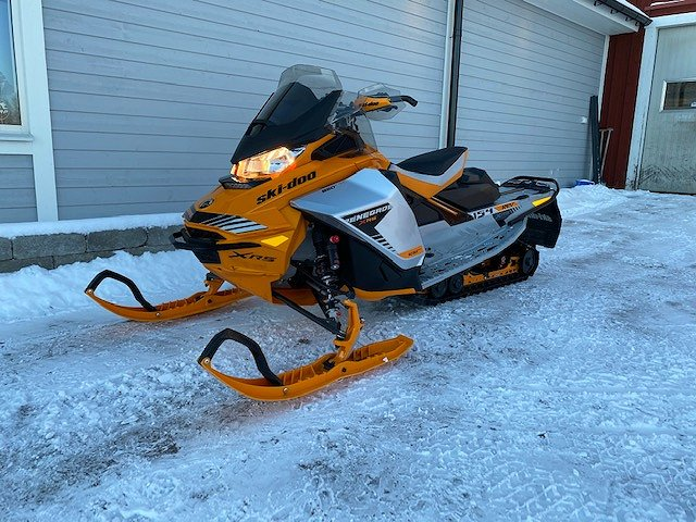Ski-doo Renegade XRS 850 E-TEC