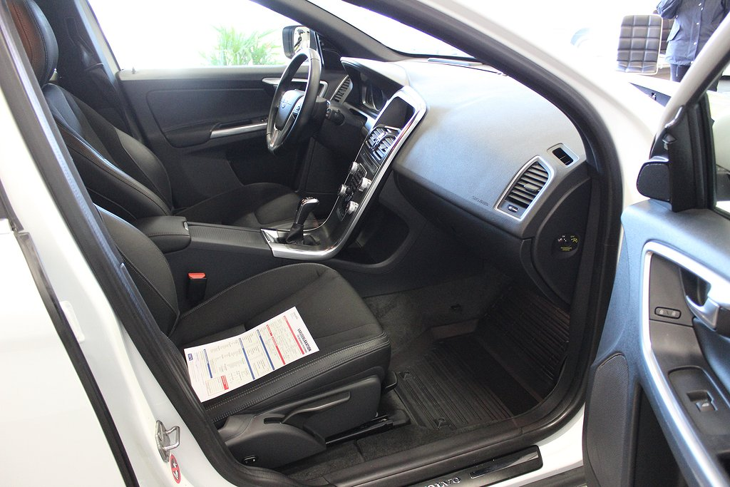 Volvo XC60, D3 Momentum Driver Support