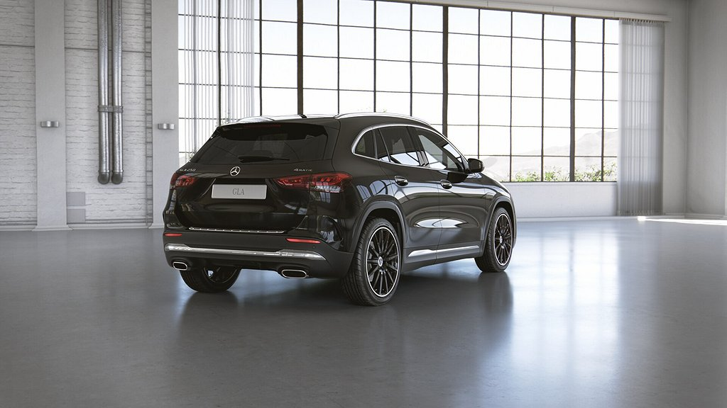 Mercedes-Benz GLA 250 4MATIC // AMG