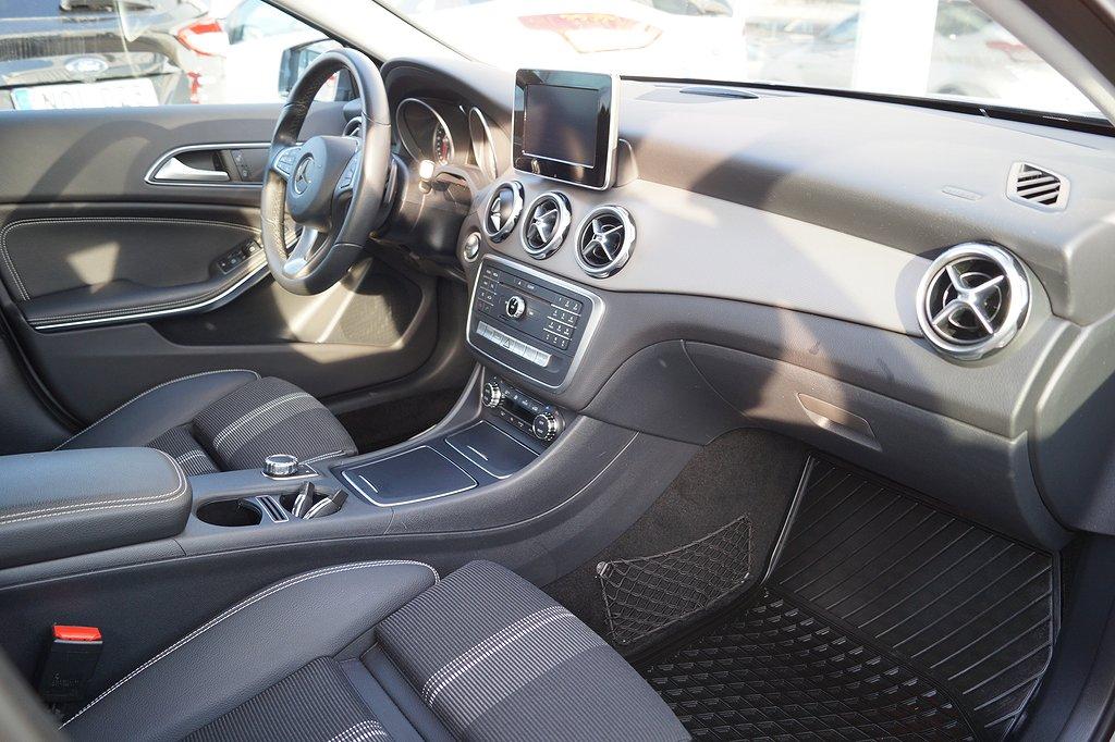 Mercedes-Benz GLA 200 / Navigation / Infällbar dragkrok