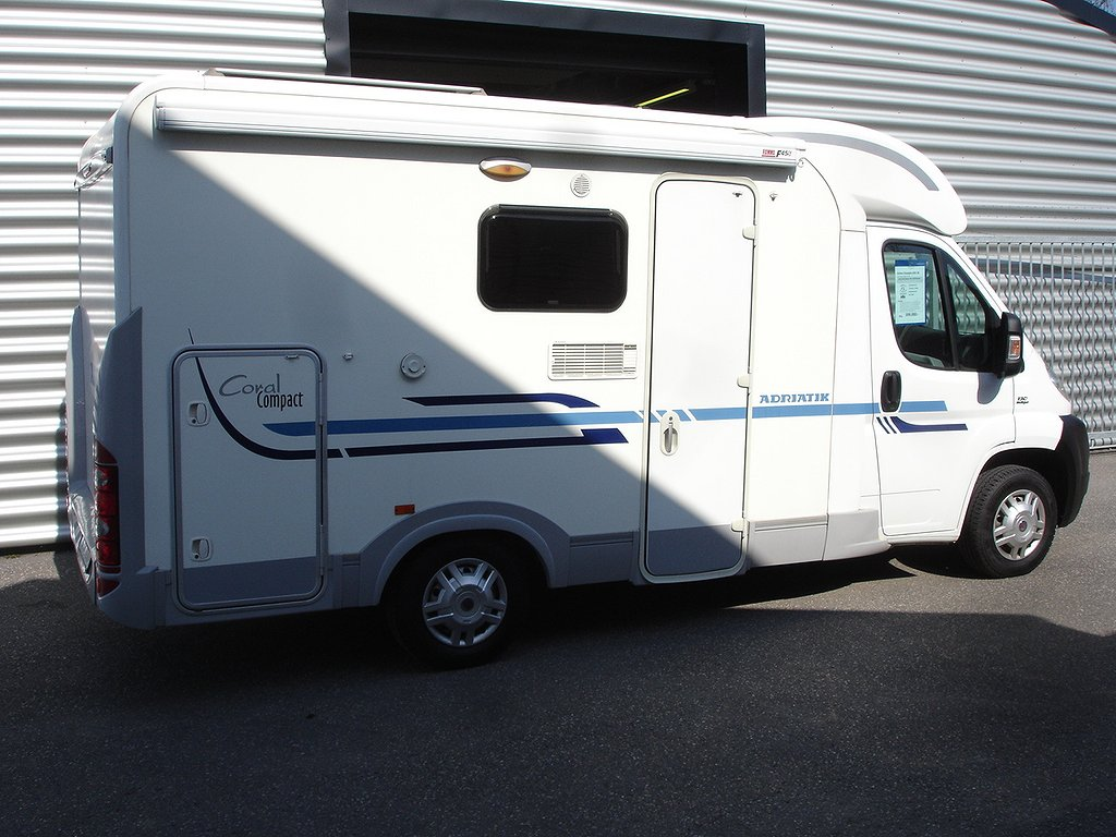 Adria Compact 599 /Solceller/lastvikt 880kg
