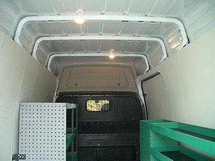 Ford Transit 330Trend 2.2 TDCi Skåp (140hk) Högt tak, AC, Drag, Bränslevärma