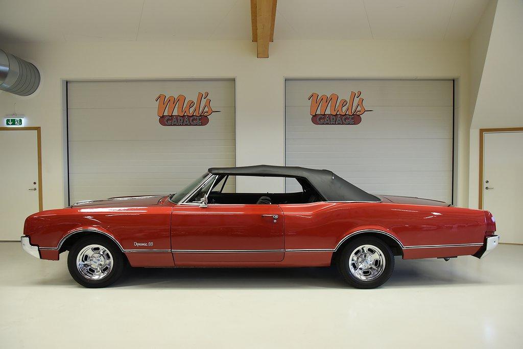 Oldsmobile Dynamic 88 Convertible 1966.