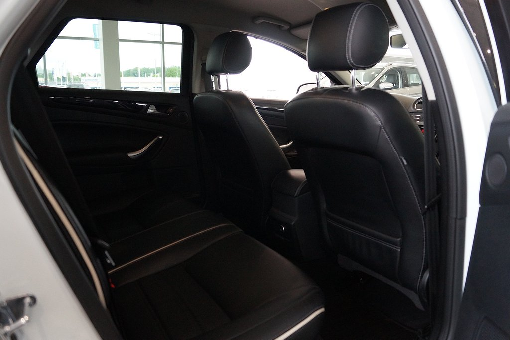 Ford Mondeo Kombi 2.0 TDCi Powershift Business X 140hk