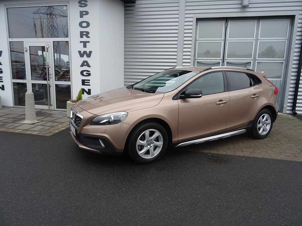 Volvo V40 Cross Country D3 Momentum 150hk Drag