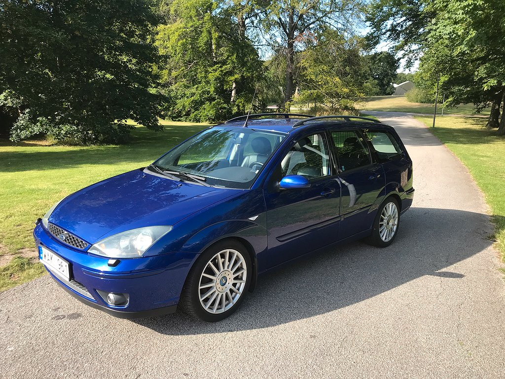Ford Focus ST Turnier 2.0 Duratec-ST 173hk 6-växl