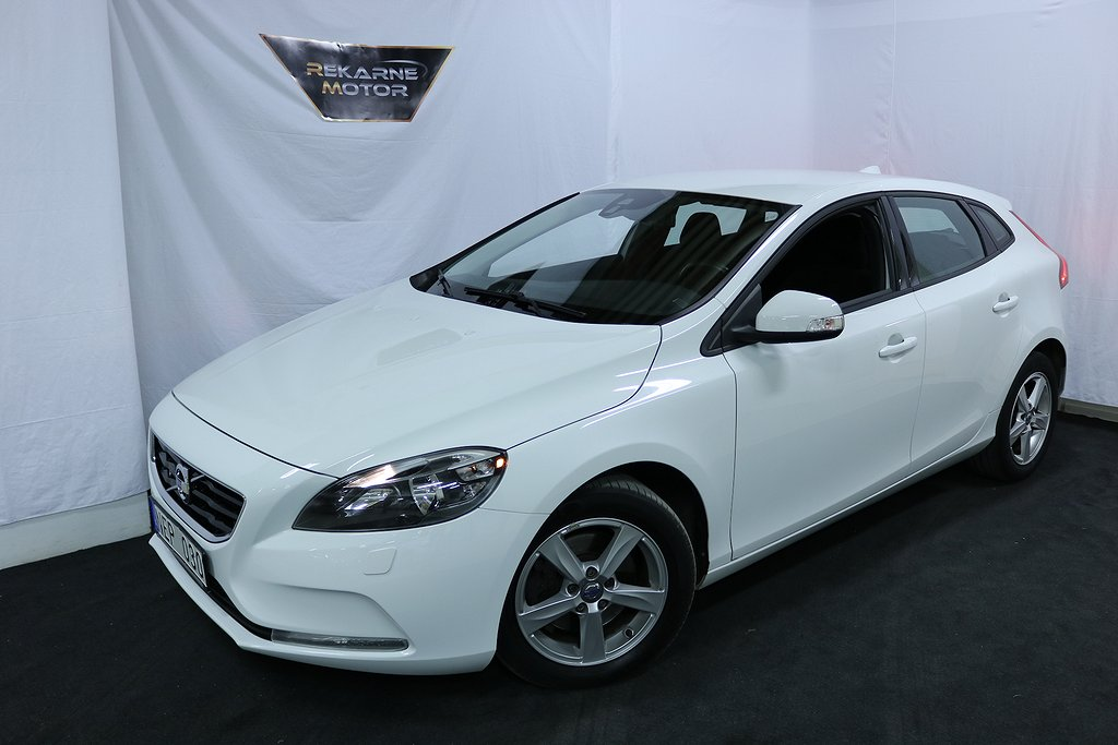 Volvo V40 T3 Kinetic 150HK | Backkamera | 646:- Årsskatt