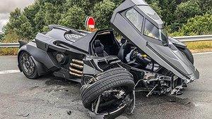 Svenska Batmobilen förstörd i krock