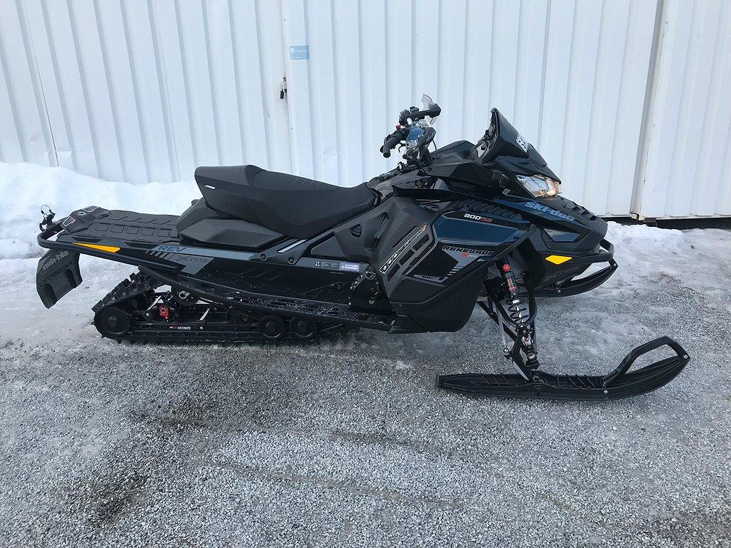 Ski-doo Renegade X-RS 900 ACE Turbo Demo