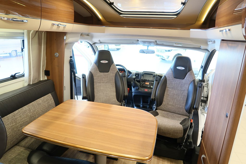 Husbil-halvintegrerad LMC Cruiser Comfort T 732 ALDE 21 av 22