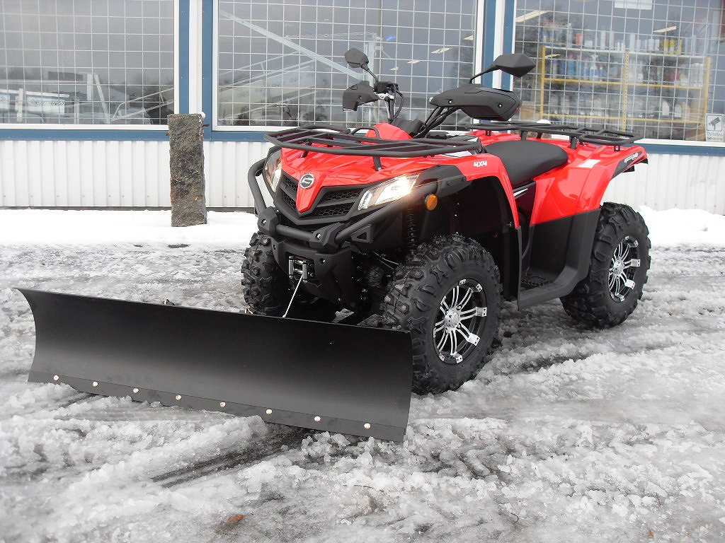 CF Moto 520EFI/EPS Traktor A med plog