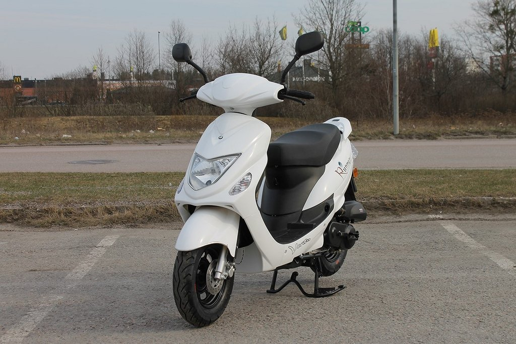 Vento Runner Vit 45 Moped Klass 1