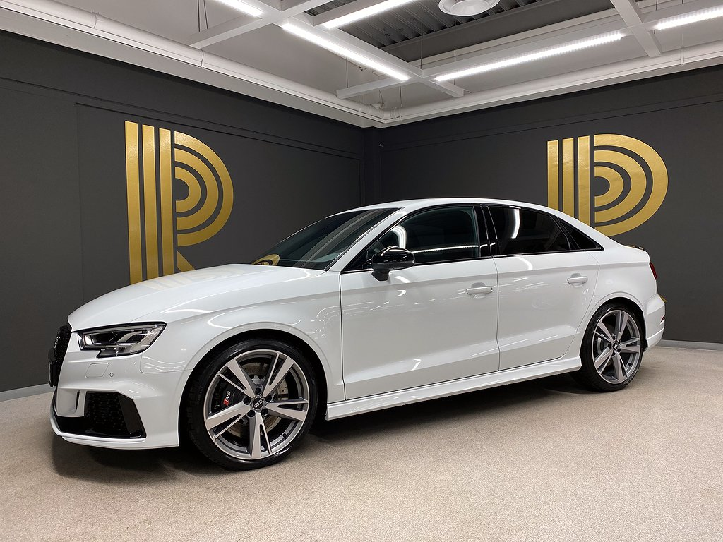 Audi RS3 Sedan (400hk) 15 mil! / B&O / Virtual Display
