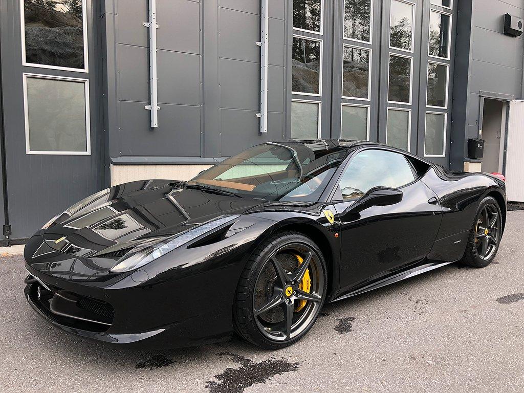 Ferrari 458 Italia F1 (570hk) 3900 mil  Sv-Såld