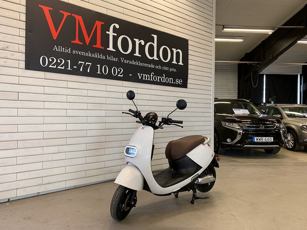 LV S3 Retro Elmoped