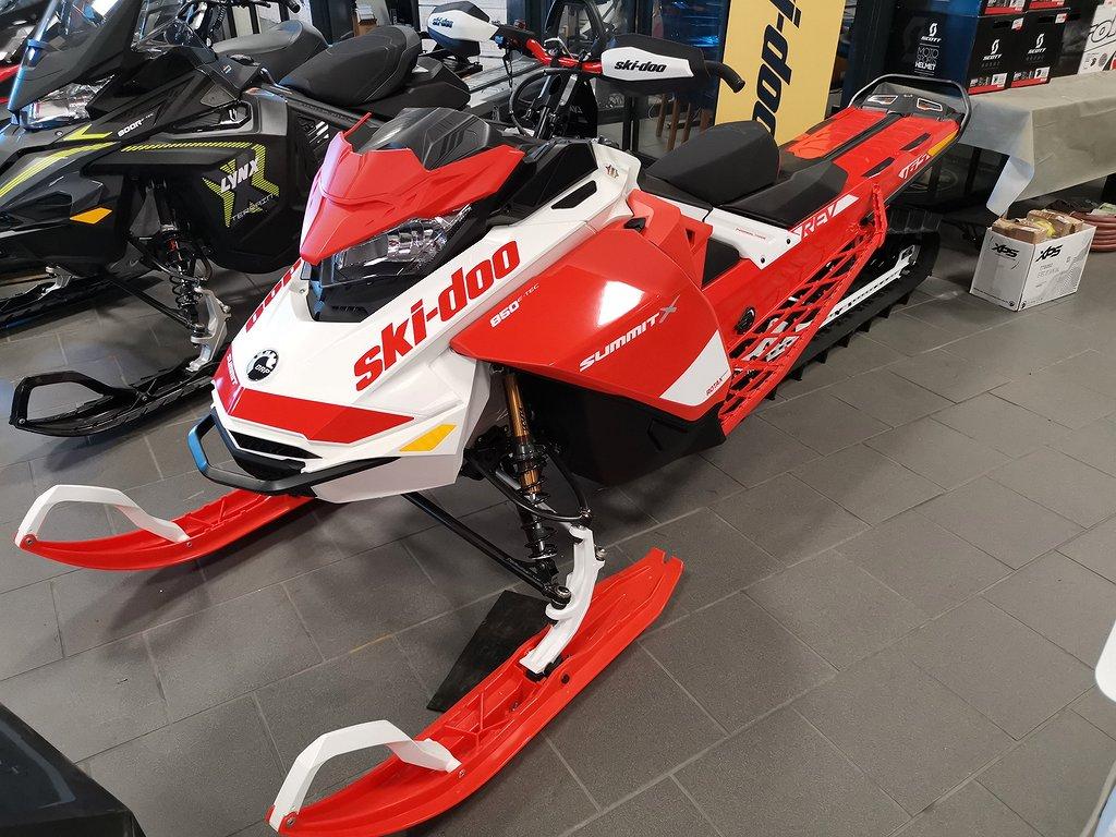 "Ski-doo SUMMIT EXPERT 850 165"" KAMPANJ"