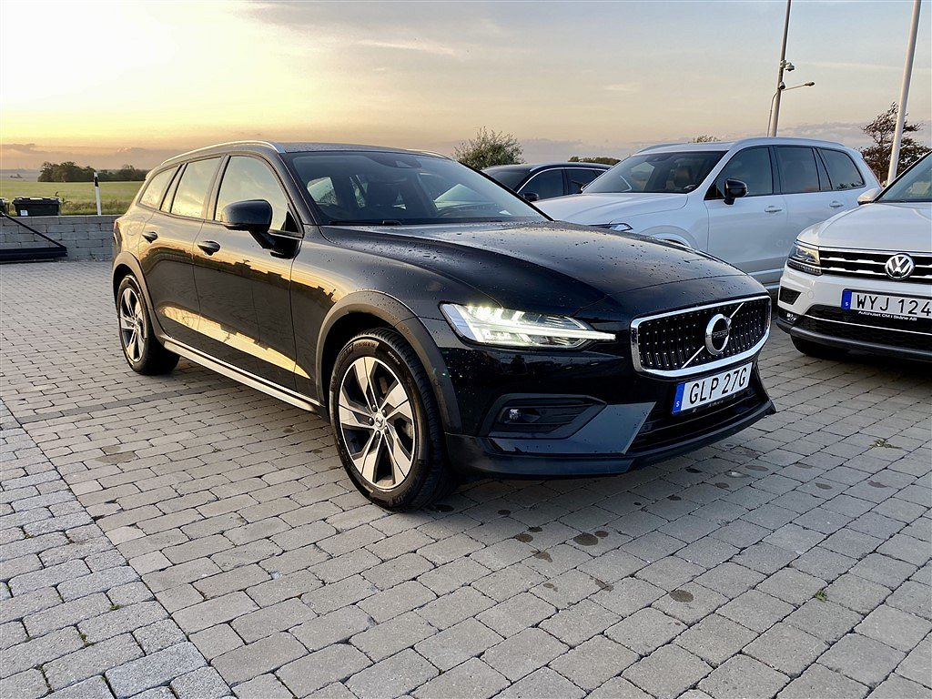 Volvo V60 Cross Country D4 AWD Geartronic, 190hk Momentum