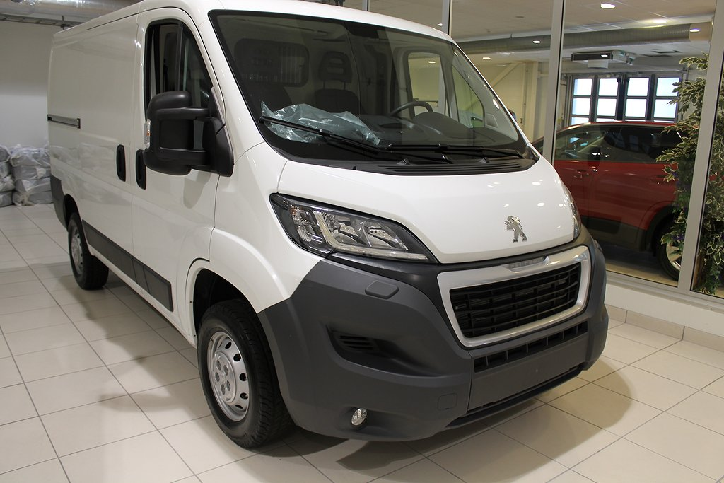 Peugeot Boxer InBusiness L1H1 8m3 BlueHdi 140hk