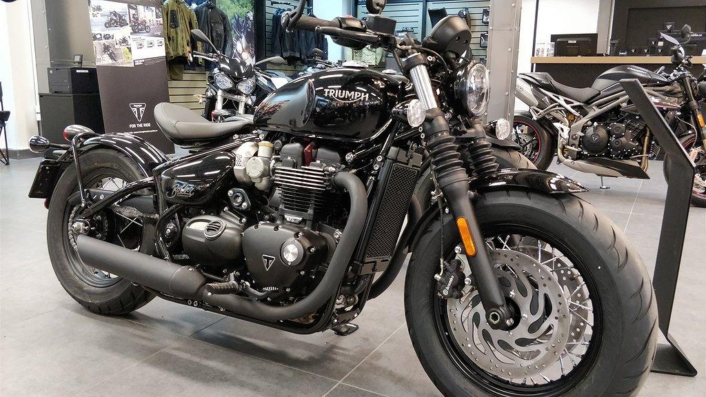 Triumph Bonneville Bobber Black *butiks ex*