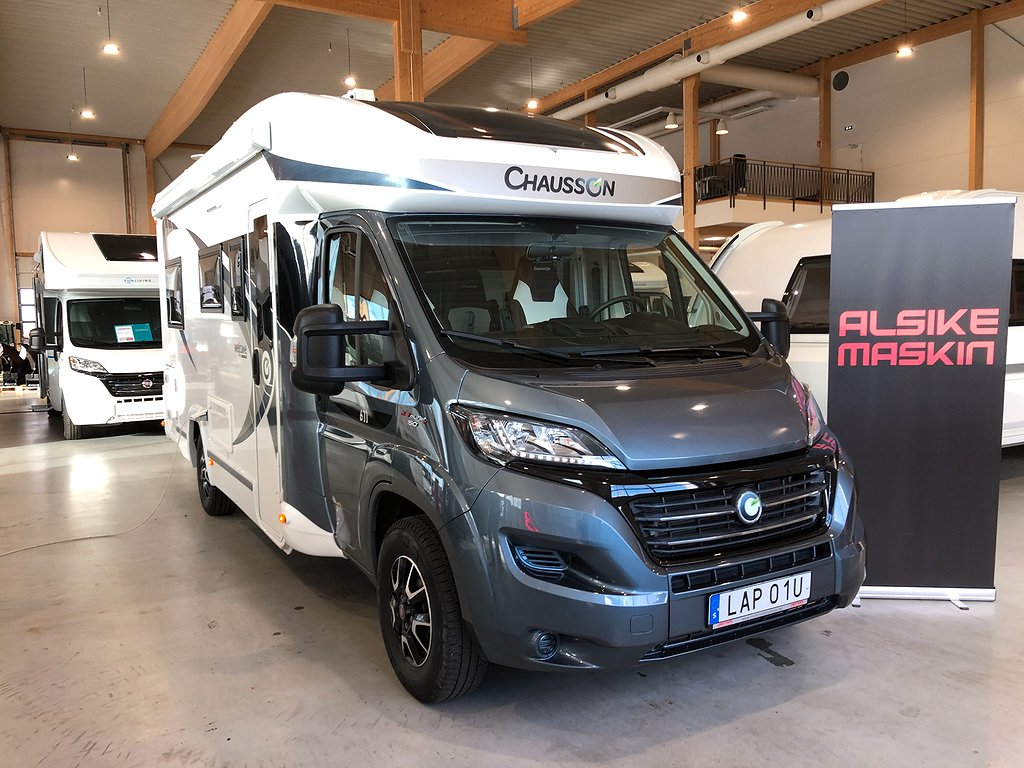 Chausson 611 Welcome / Solpanel / Dragkrok /