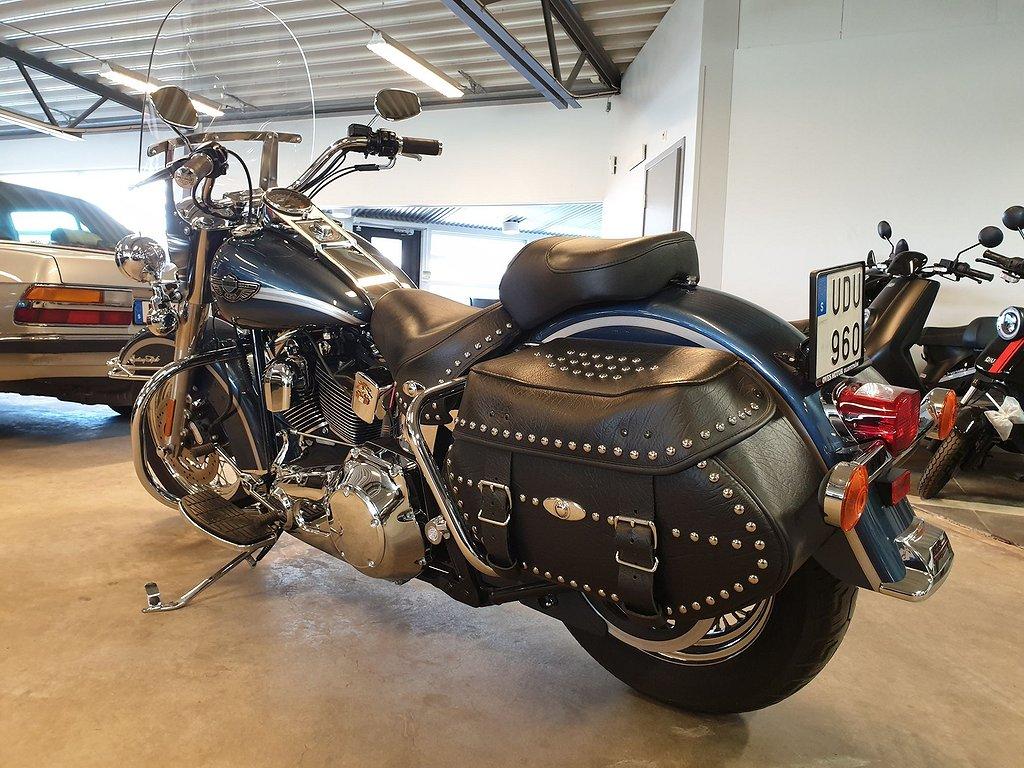 Harley-Davidson Heritage Softail Classic samlar objekt