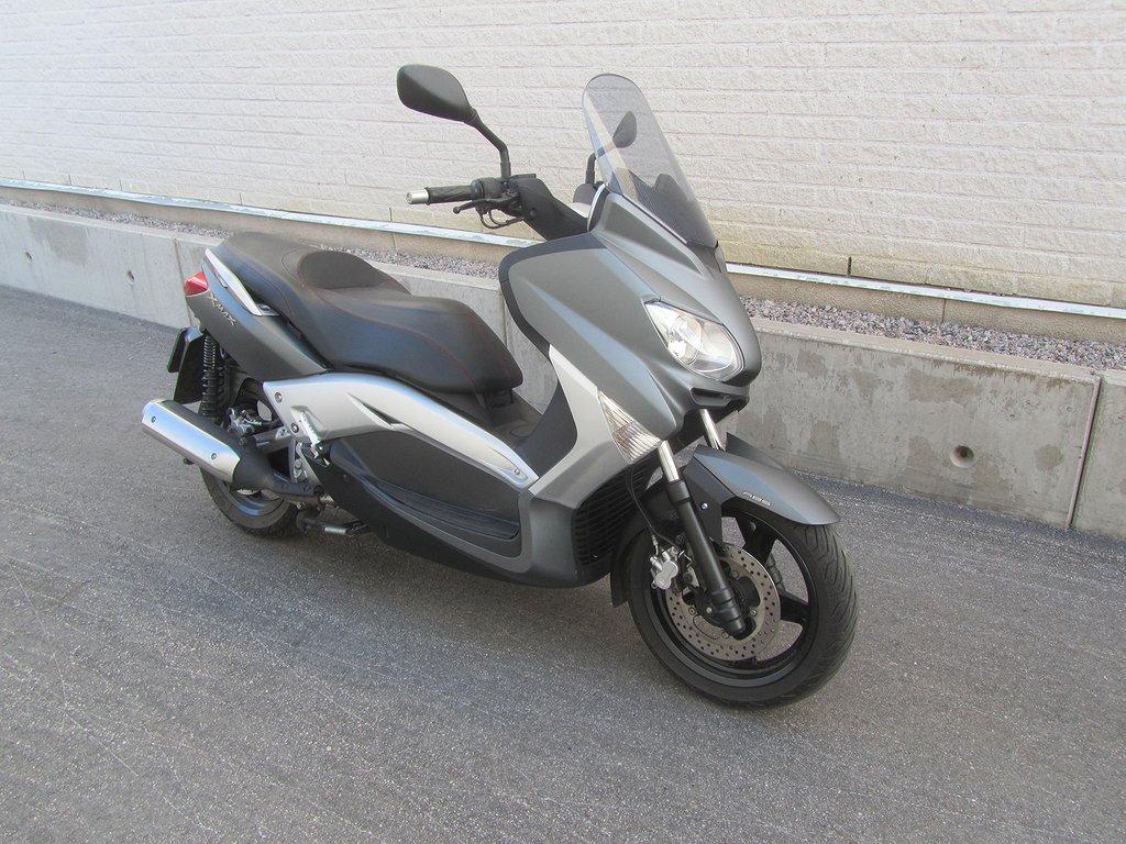 Yamaha X-Max 250 ABS *Mkt fint skick*
